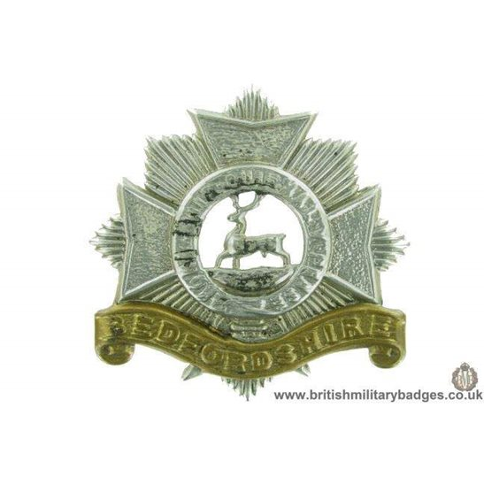 A1F/97 VICTORIAN /EDWARDIAN Bedfordshire Regiment Cap Badge LUGS