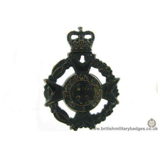 A1G/38 - Royal Army Chaplains' Department Cap Badge Queens Crown