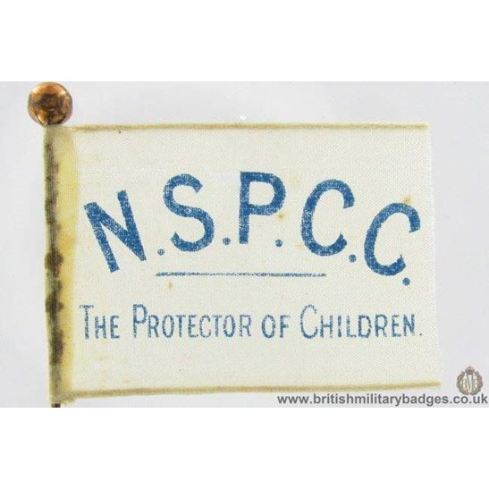 K1C/04 - NSPCC Childrens Charity Flag Day Fundraising Pin Badge