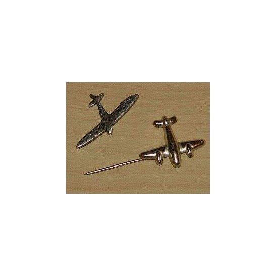 AA09/035 - Royal Air Force RAF Lapel Badges