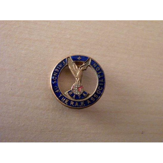 SS09/067 Friends of the Royal Air Force Association Lapel Badge