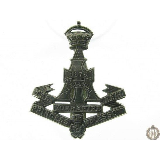 "1B/013 - The Yorkshire ""Green Howards"" Regiment Cap Badge"