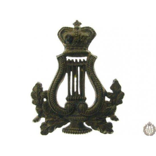 1B/031 - Military Band Corps Musicians Cap Badge - QVC