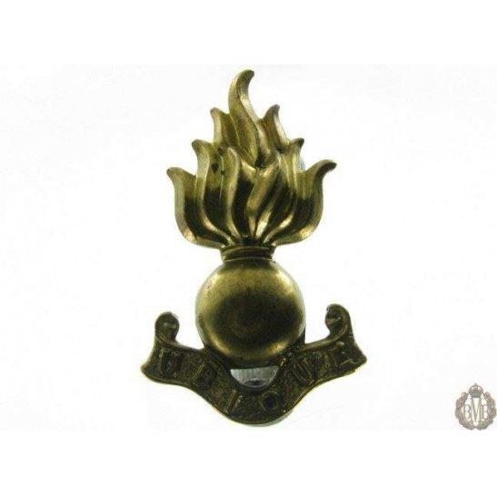 1B/035 - Royal Engineers RE Corps Collar Badge