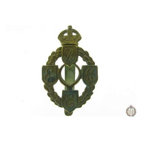 "additional image for 1B/002 - Royal East Kent ""The Buffs"" Regiment Cap Badge"