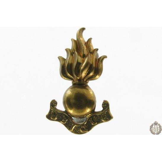 1I/124 - Royal Engineers RE Corps Collar Badge