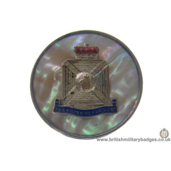 """H1A/19: Wiltshire Regiment """"Sterling Silver"""" Sweetheart Brooch"""